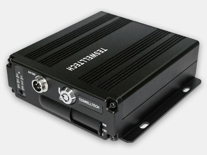 Рисунок 3. Профессиональный транспортный видеорегистратор Teswell TS-830
